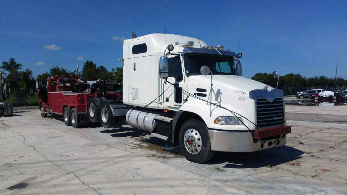Heavy Towing Clearwater, Largo, Pinellas Park & St. Petersburg, IL